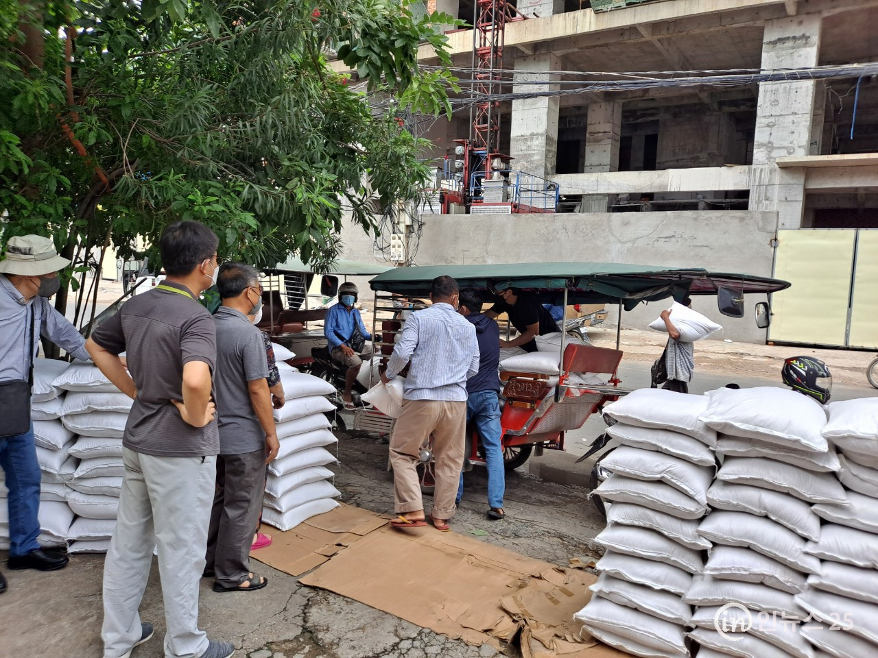 (사)한-말 경제문화교류협회, 캄보디아에서 사상최대의 쌀 나눔행사 개최